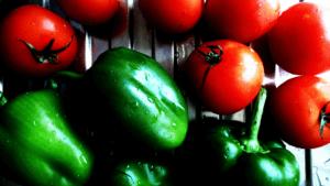 ピーマンとミニトマト